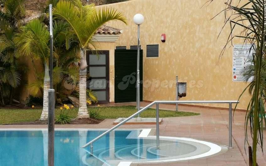 Amarilla Golf, Palm Garden
