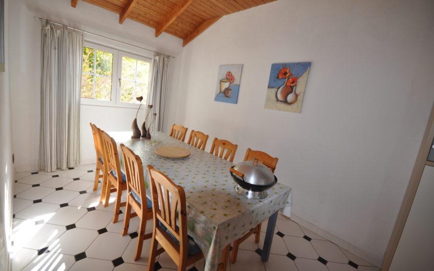 Villa, Guía de Isora